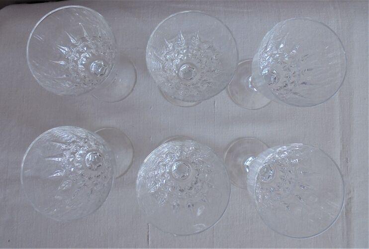 Lot 6 verres à pied ciselés en cristal