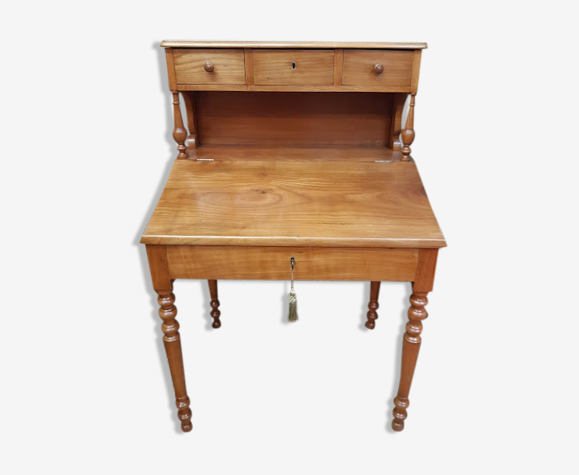 Writing desk with pediment
