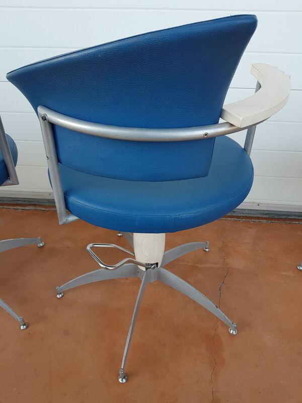 Set de 4 fauteuils de coiffeur barbier années 70 bleu