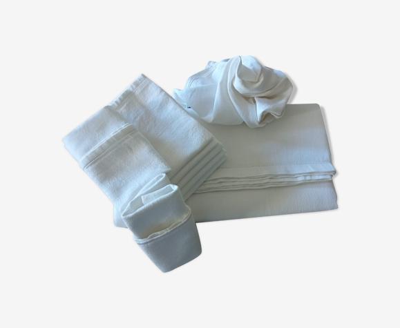 Parure de table ancienne en coton texturé