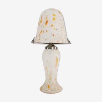Lampe champignon en pâte de verre blanche tacheté orange, style Art Déco. Année 60