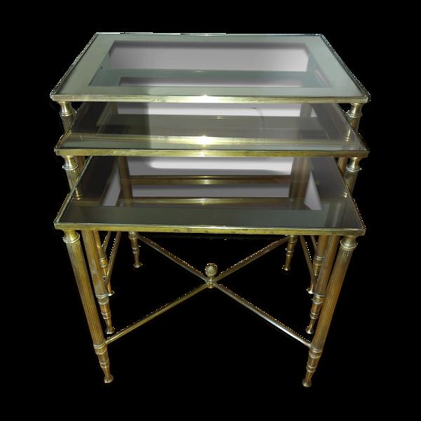 Set de 3 tables gigognes en laiton doré et verre vintages