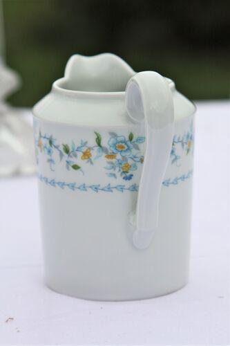 Crémier en porcelaine de Limoges Tharaud modèle Sylvia