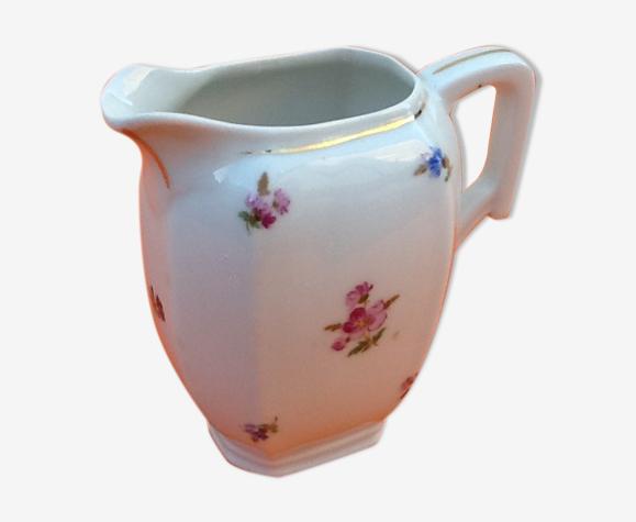 Pot à lait art déco années 30 porcelaine blanche réhaussé d' un liseré or, décor floral