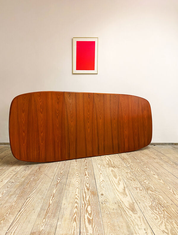 Table ovale extensible en teck par Rasmus