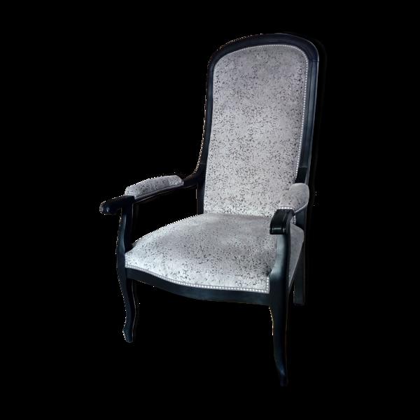 Fauteuil Voltaire ancien refait à neuf avec tissu velours gris très lumineux et finition galon