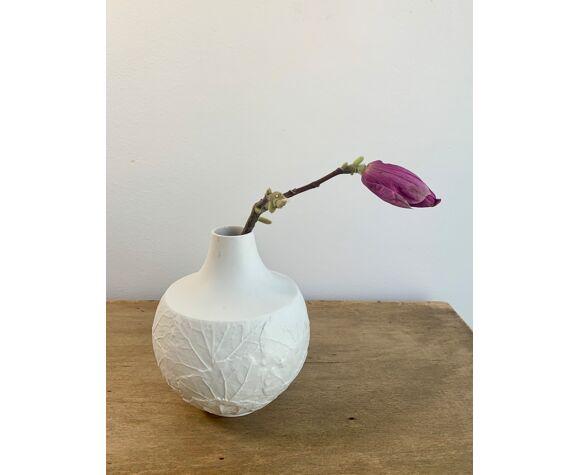 Vase en porcelaine biscuit du milieu du siècle, années 1970