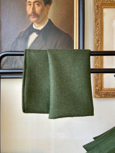 Coussin en laine vert sapin 40 cm