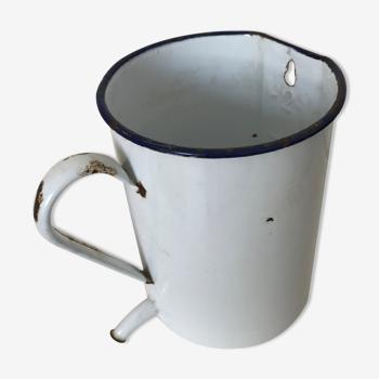 Ancien pot émaillé