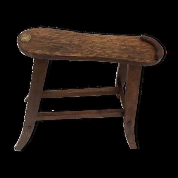 Tabouret en bois repose-pied de cireur