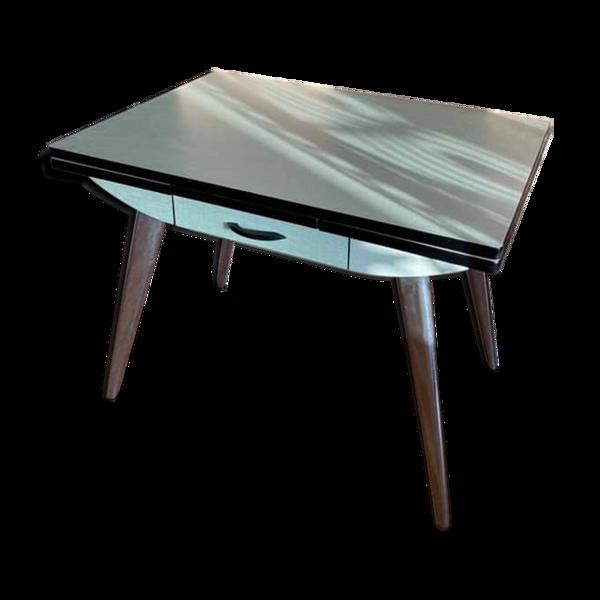 Table en formica vert pastel
