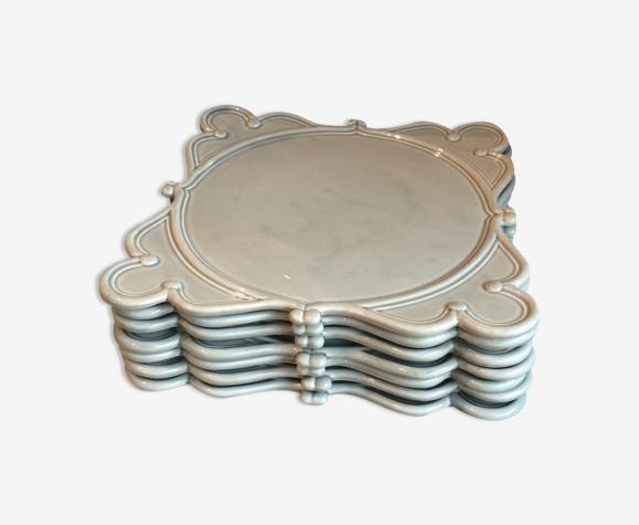 7 assiettes carrées en céramique bleu grises
