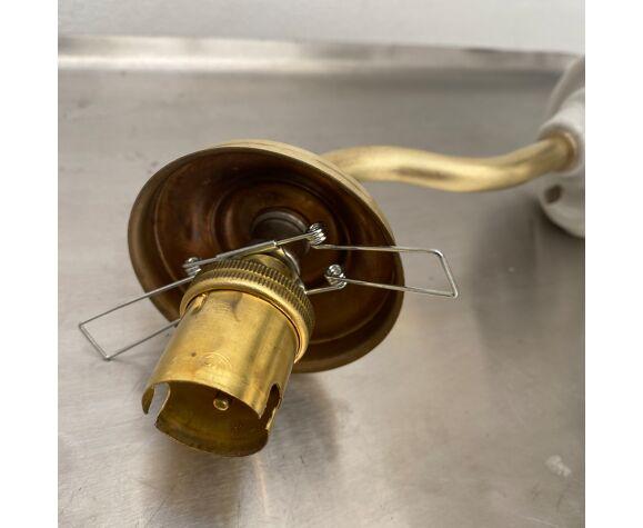 Ancienne applique vintage en verre moulé