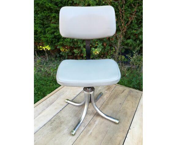 Chaise d'atelier en skaï design