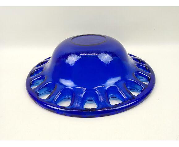 Coupe en verre épais bleu