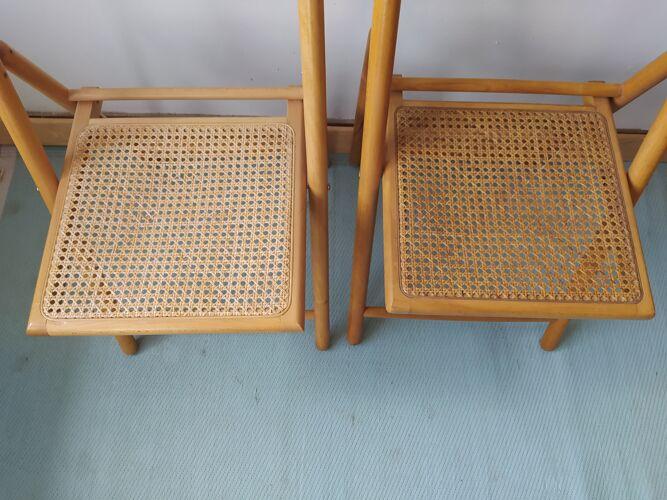 Paire de chaises pliantes en cannage