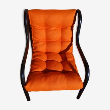 Fauteuil design tube noir et orange