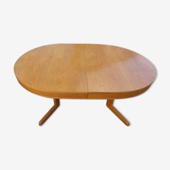 Table vintage ovale en chêne