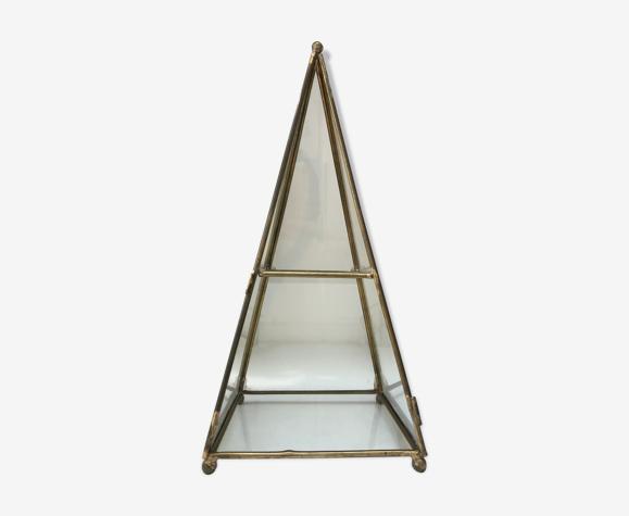 Boîte vitrine pyramide laiton