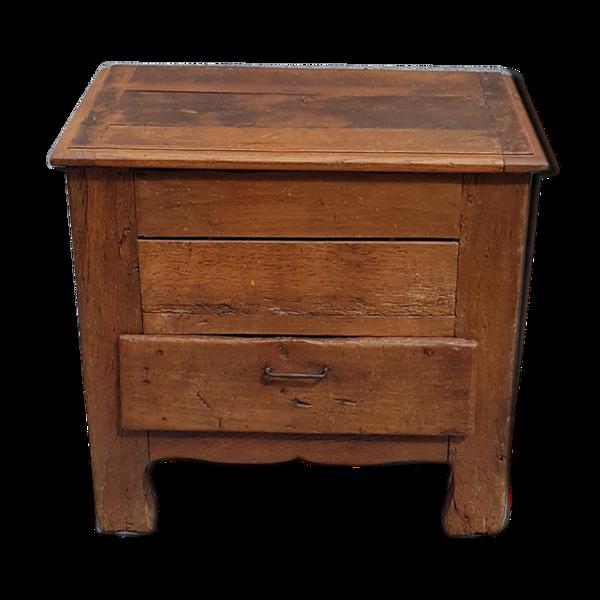 Ancien petit coffre en bois avec tiroir