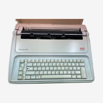 Typewriter Olympia Carrera SI