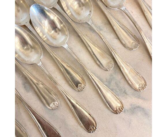 Série de 11 grandes cuillères anciennes, métal argenté