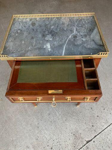 Table de salon Louis XVI