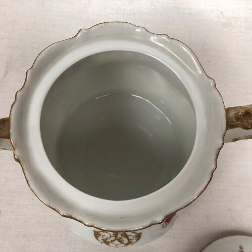 Service à café chiffré en porcelaine de Limoges, circa 1920