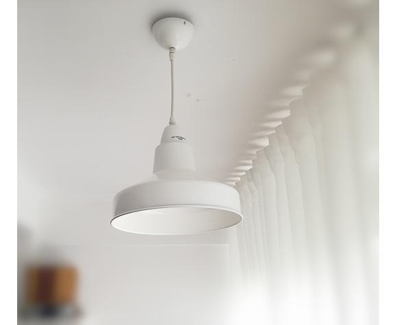 Suspension en métal de Bauhaus industrielle brillante de Bauhaus du milieu du siècle