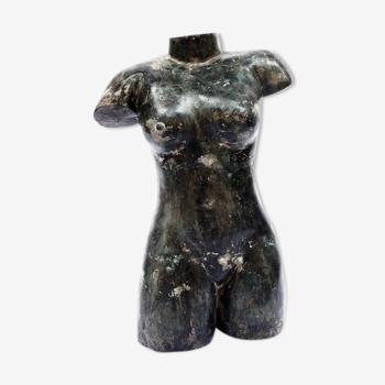 Buste féminin en métal patiné