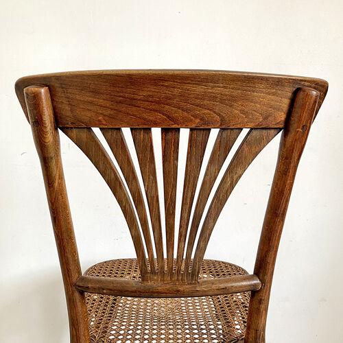 Chaise cannée Thonet N°221