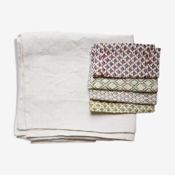Nappe et serviettes en lin upcyclées motifs dépareillés