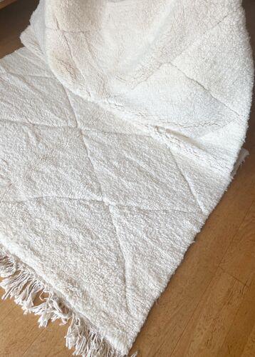 Tapis berbère en laine 240 x 167 cm