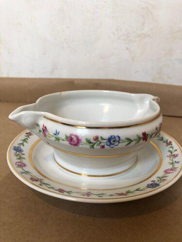 Saucier porcelaine ornement fleurs et dorures