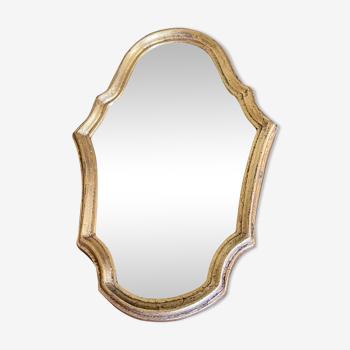 Miroir doré de style Louis XV sobre 32 X 22