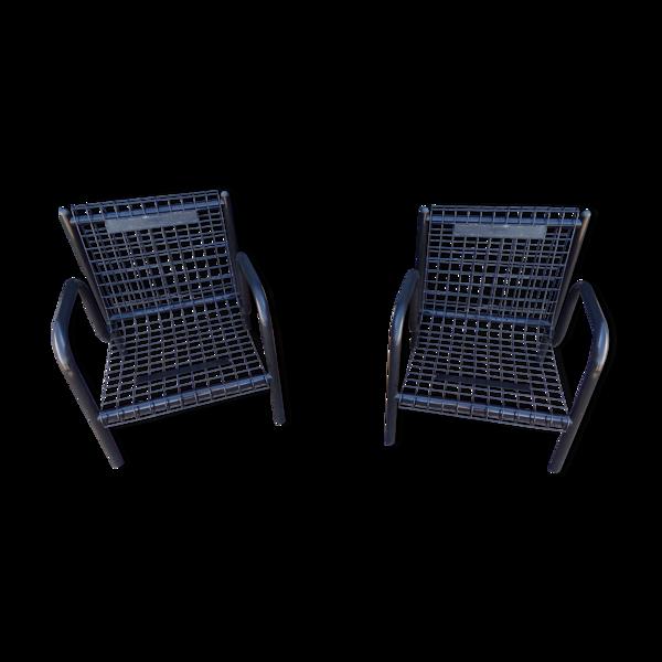 Duo de fauteuils noirs grillage