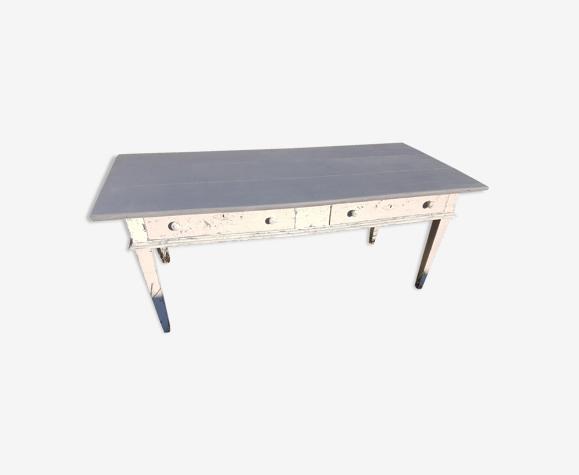Table en bois patiné directoire