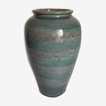 Vase oblong céramique sacrifiée à l'émail bleu