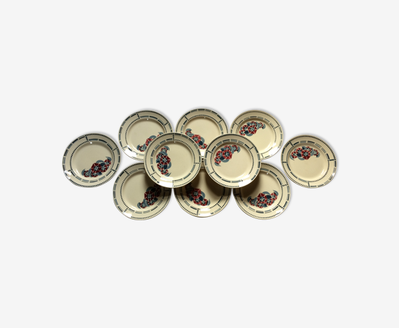 Série de 10 assiettes  plates anciennes Terre de Fer