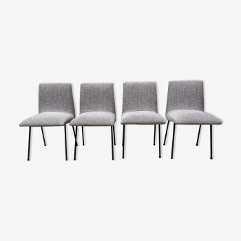 Série de 4 chaises modèle CM145 de  Pierre Paulin