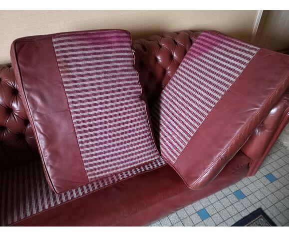 Canapé Chesterfield cuir vieux rouge