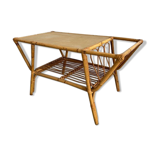 Table basse porte revue en rotin vintage