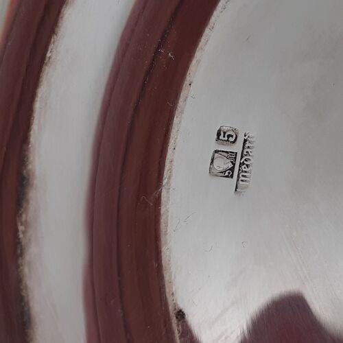 Plat ovale en métal argentè.entourage perlè.signè.
