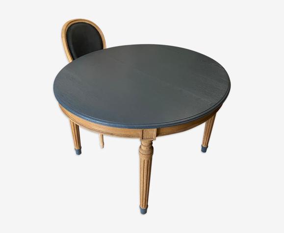 Table en bois massif relookée et ses 3 rallonges