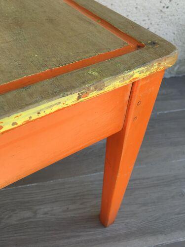 Bureau enfant en bois piètement orange
