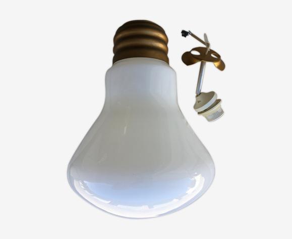 Suspension ampoule en verre