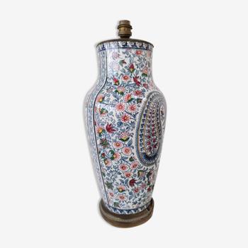 Pied de lampe en porcelaine à décor de Cashemere