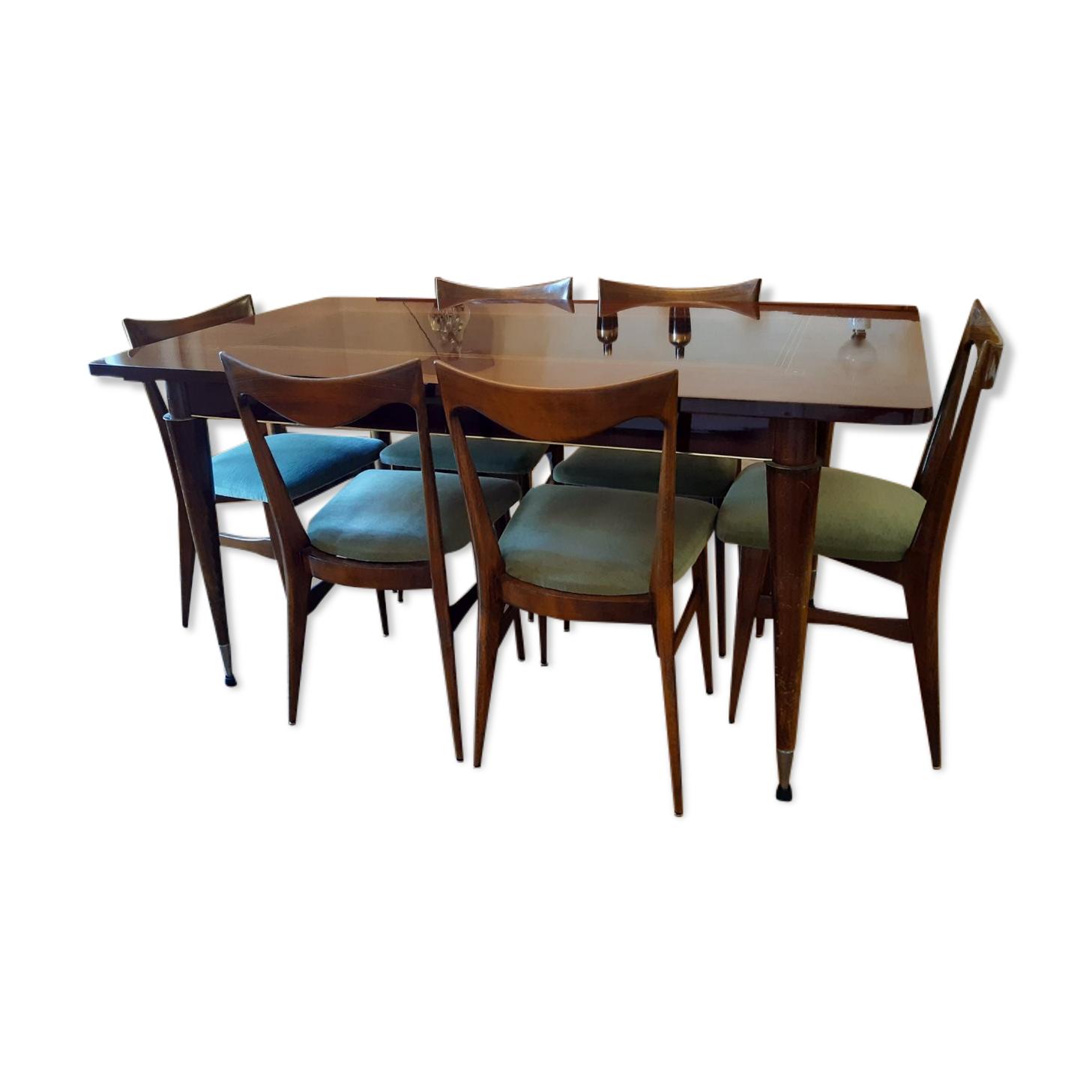 Lot comprenanune table salle à manger  en palissandre extensible et 6 chaises en velours année 1966