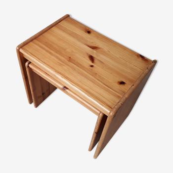 Tables gigognes en pin