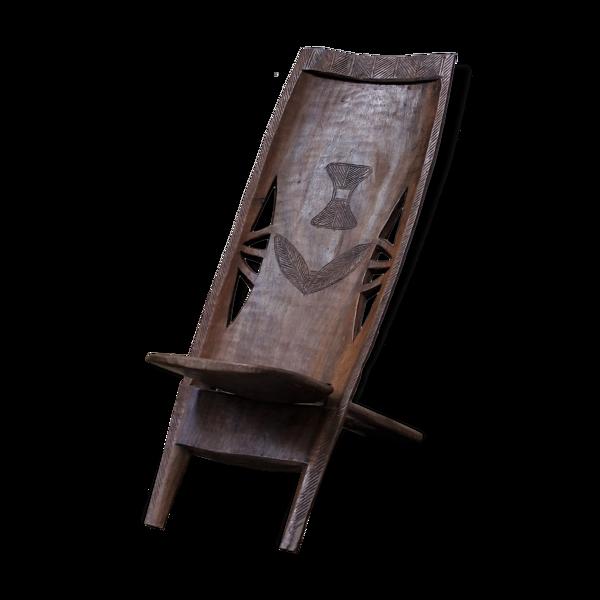 Chaise africaine sculptée à la main